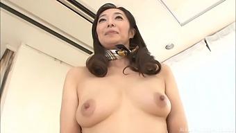 Asian Mature Otowa Ayako Spreads Her Legs To Finger Her Pussy