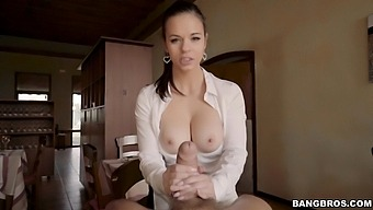 Amateur Babe Nekane Takes Money To Have Sex With A Stranger