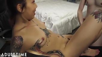 Kimberly Chi - Fail!! Gamer Chick Accidentally Streams A Fuck And Facial 10 Min