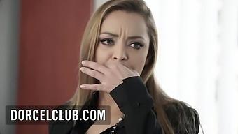 Threesome With The Beautiful Secretary Liza - Liza Del Sierra
