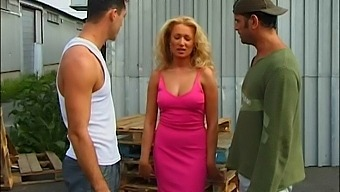 Hardcore Outdoors Mmf Threesome With Double Penetration For Sue Diamond