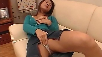 Japanese Solo Chick Spreads Her Legs To Pleasure Her Wet Pussy