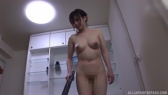Special Japanese Hotel Room Porn For A Nice Lady