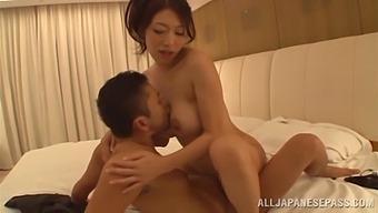 Reiko Kobayakawa Takes Off Her Panties To Be Fucked In The Bedroom