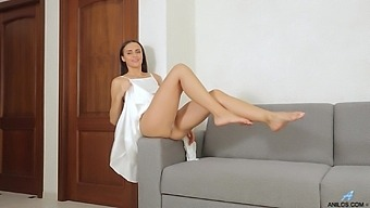 Leyla Lee Is Perfect In Every Way And Knows How To Reach An Orgasm