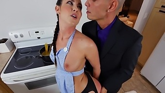 Incredibly Hot Girlfriend Brittany Shae Craves For Balls Deep Anal Sex