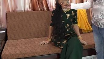 Eid Special, Priya Xxx Anal Fuck By Her Shohar Until She Crying Before Him In Hindi Urdu Audio - Your Priya