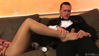 Aletta Coastline Is Typically A Sophisticated Girl Who Exactly Loves To Feel Ejaculate On Her Ft