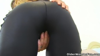 In English Milf Gemma High Send Her Ring Fingers In