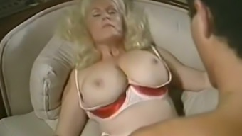 Grow Older Weak Skin Surface Busty Beautiful Ladies Licked And Boned On The Sofa