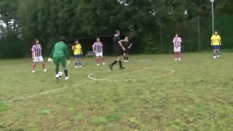 Stp7 Japanese Young Adults Football Training Stage One(1) !