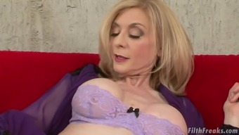 Age Female Nina Hartley Is Curious About A Hunk'S Excess Weight Lift