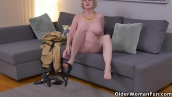 Usa Gilf Sindee Cox Pieces Off And Rubs One Out