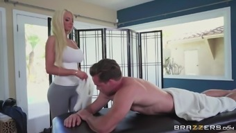 Malicious Blond Nicolette Shea Aims To Be Fucked Complicated Through A Hunk