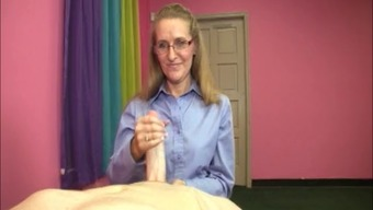 Attractive Brown Milf Likes This Little Cock