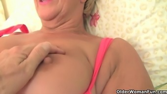 Warm Gilf Oils Way Up And Gets Rub Fucked In Their Clipped Muff