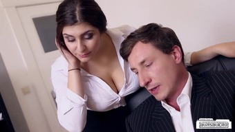 Bums Buero - Busty A Language Like German Desk Fucks Supervisor In The Office