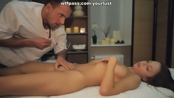 Sexy Blond Teen Gets Her Pussy Fucked After Relaxing Massage Session Session