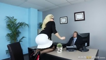 This Desk Actually Gives Her Stupid Ass To Actually Her Person-In-Charge