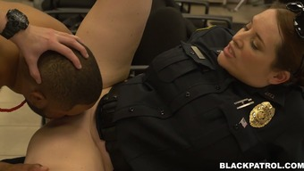 Feeling Thirsty For Cock Police Officers Fuck Peerless Stud Poker By Using Major D