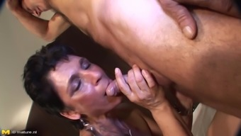 Banging Her Mature Pussy With His Old Dick In The Dorm Room
