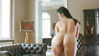 Beautiful Brunette Mindy Is Obtaining Cum On Have To Deal With