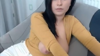 Great Tits Coach Exhibits Titties On Cam
