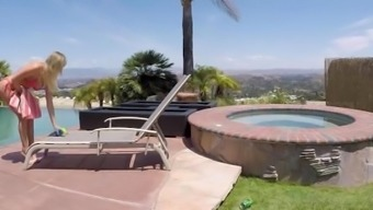 Spyfam Thing To Do Sister Alexis Adams Trapped Action Sister Spying Through Pool