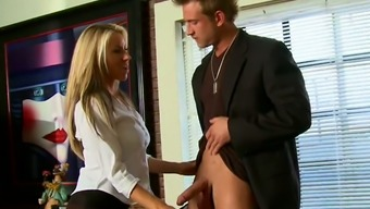 Buxom Light Desk Carolyn Reese Face Fucks Her Person-In-Charge Off Directly In The Workplace