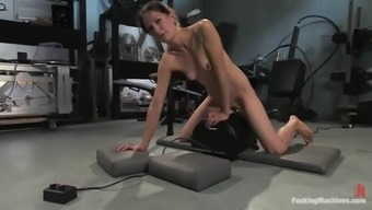 Skinny Cali Gets Her Juicy Genitals Drilled Using A Machinery