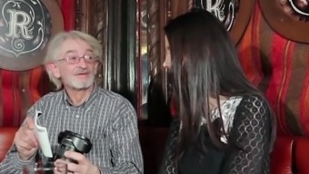 Beautiful Teen Enjoys In Order To Get Fucked By Grandpa The Old One Cums With Her Tits