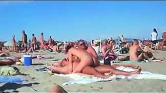 Cuckolding Within A Topless Seaside Gets Recorded