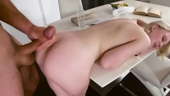 Ejaculate On Booty To Turn Out Blonde'S Romantic Morning Breakfast