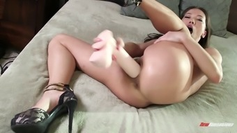 Bendy Asian Solo Product Using A Intercourse Equipment Until Maximum