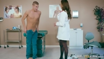 Ariella Ferrera Is A Great Breasted Health Professional That Loves Riding A Lift