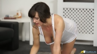 Charming Lively Boobies Of Sex-Appeal Homemaker Kate Betty