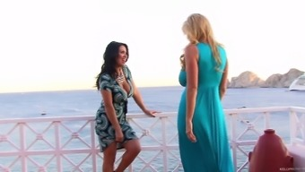 Outdoor Lesbian Shagging Experience With Kelly Madison