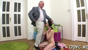 Fairly Dilettante Hooker Enjoys 69 And Tours Old Stud Wildly