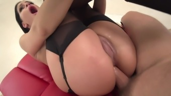 Annie Bolt Screams Complicated With The Use Of Penis Trapped Down Her Bum