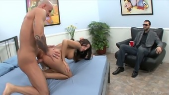 Wild Cuckold Dude Savours Observing How His Bitch Wife Gets Her Muff Rammed