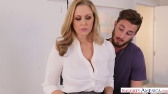 Appetizing Big Tits Milf Julia Ann Is Fucked Directly On The Costs By Johhny Lot
