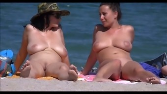 Nudist Shore Clipped Youngsters