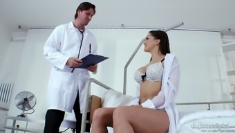 Fucking Warm Czech Babe Barbara Bieber Gets Intimate With Perverted Medical Professional