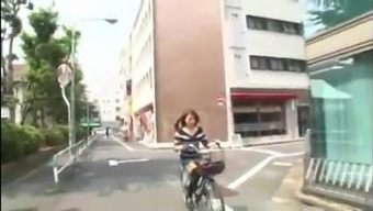 Japanese Love Tours A Bike With The Use Of Small Dress In Alleys