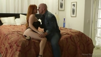 Fabulous Buxom Dry Haired Nympho Dollars Pax Enjoys Such A Sensuous Mish