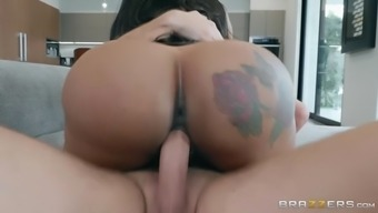 Moriah Erica Smoothies Her Great Ass Toward The Challenging Prick
