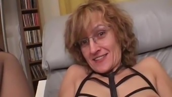 Newbie Mother Gives Blowjob Along With Cumshot In Mouth