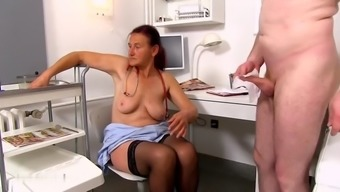 Dr. Linda Loses Selfcontrol At The Sight Of A Large Cock
