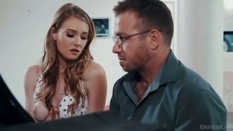Sexy American Pianist Ashley Lane Lures Dude To Work On His Tasty Cock