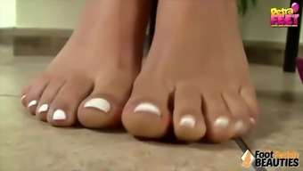 Barefoot Teen Takes Off Her Sandals And Shows Her Cute Toes